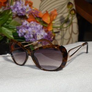 Vintage Jessica Simpson Sunglasses Brown Tort/Gold
